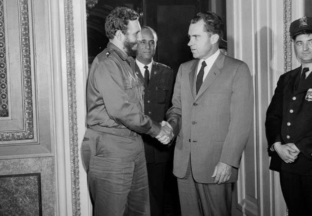 Fidel Castro se encuentra con el vicepresidente de EE.UU. Richard Nixon en Washington, DC, 1959.