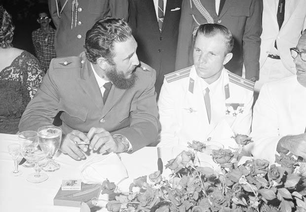 Fidel Castro y el astronauta ruso Yuri Gagarin, 1961.