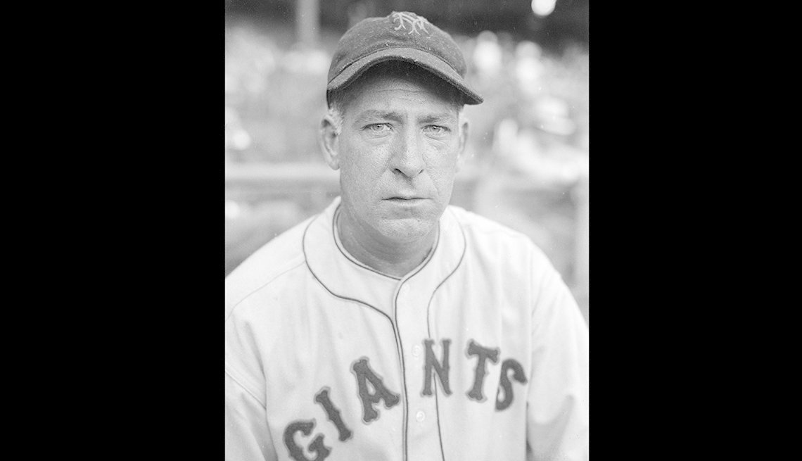 Adolfo Luque, NY Giants, Latinos in Baseball