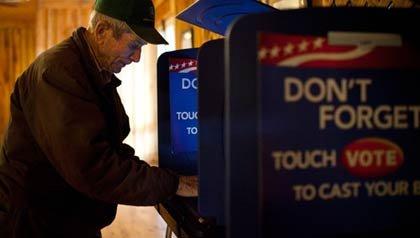 Electores emiten sus votos en las primarias de Carolina del Sur el sábado 21 de enero 2012