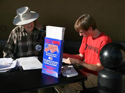 volunteers register voters