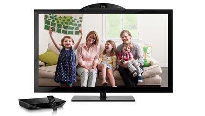 Una familia hace una video conferencia y asi se mantiene unida