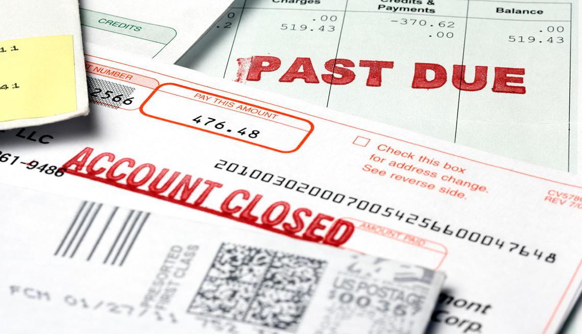 Formas de protegerte contra el robo de identidad - Imágenes de facturas de cuentas inactivas.