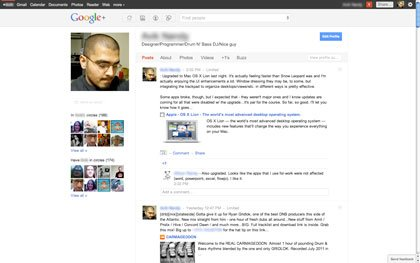 Vista de una página inicial de Google+. Los mensajes pueden ser editados, comentados, compartidos y mucho más. El esquema de diseño / color son aún más simples en comparación con Facebook.