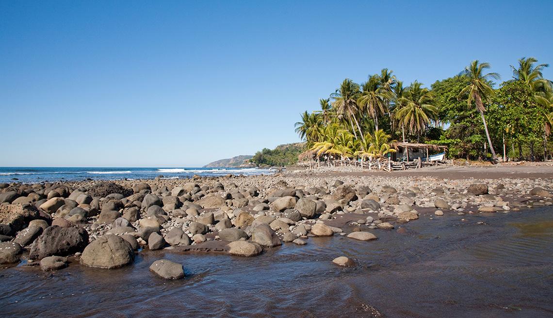 item 6 of Gallery image - Playa El Zonte, El Salvador