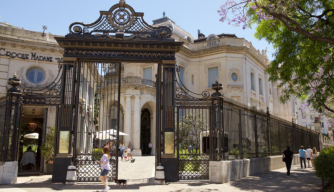 item 5 of Gallery image - Museo de Arte Decorativo