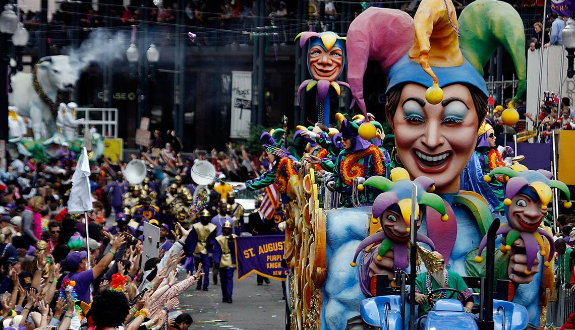 The Visitors And Tourists Alike Enjoy The Mardi Gras Parade In New Orleans Louisiana, Free USA Destinations