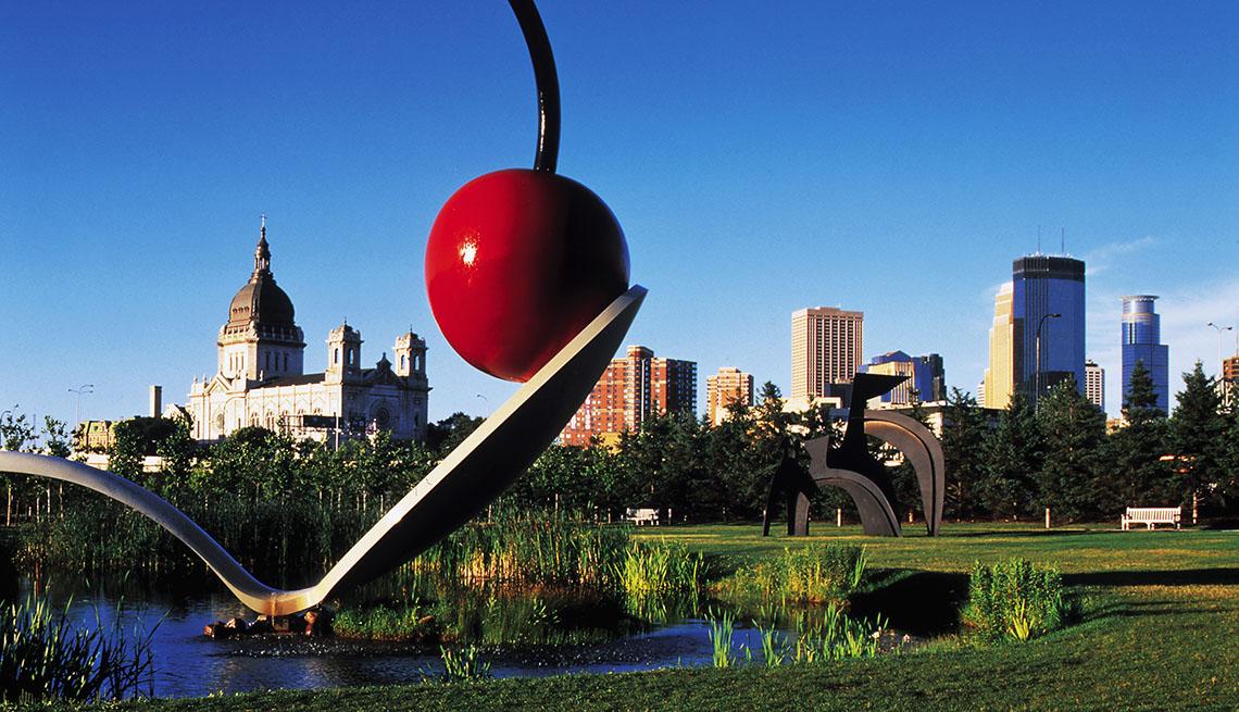 La ciudad de Minneapolis en el horizonte