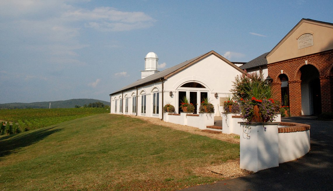Barboursville Vineyards, Visit These Wineries Outside California