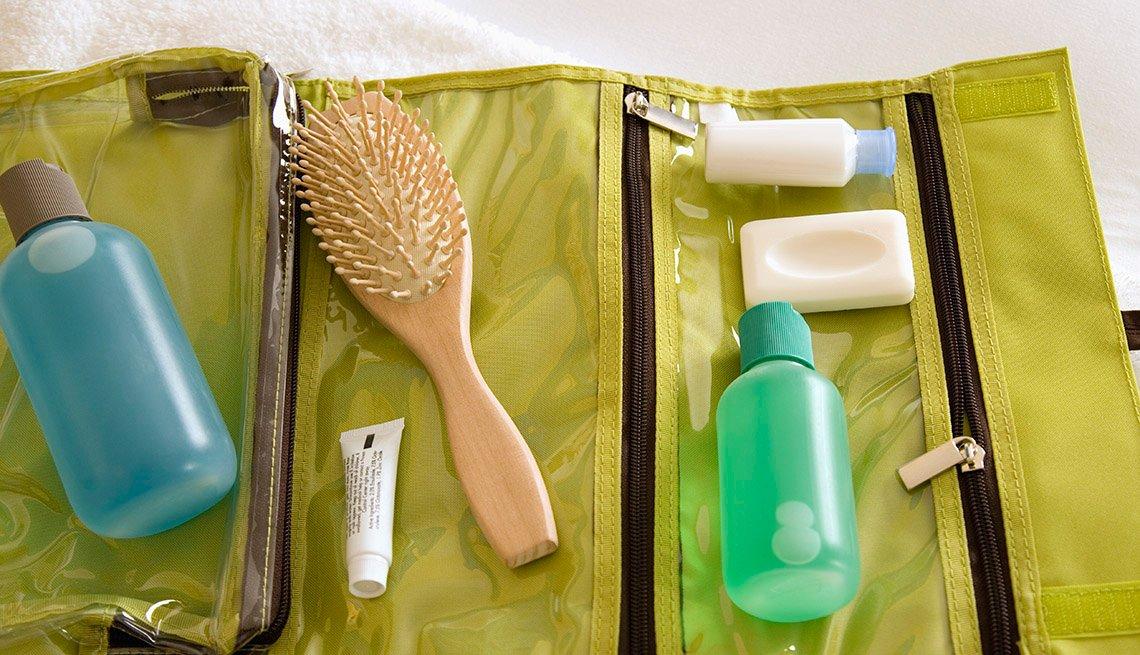 Artículos esenciales que no deben faltar en tu equipaje de mano