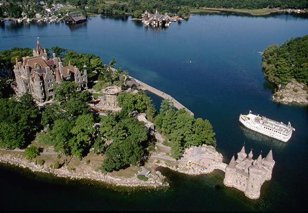 New York Life Aarp >> 10 Gorgeous American Castles You Should Visit - Hearst, Boldt - AARP