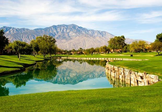 Campo de Golf en Palm Springs, CA - 10 Viajes econónicos para el 2013