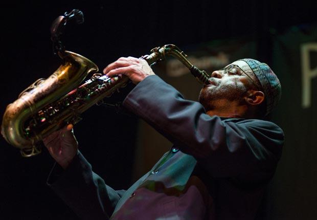 Un músico se presenta en el Festival de Jazz de Portland, Oregon - Principales ciudades de Estados Unidos para visitar en el 2013