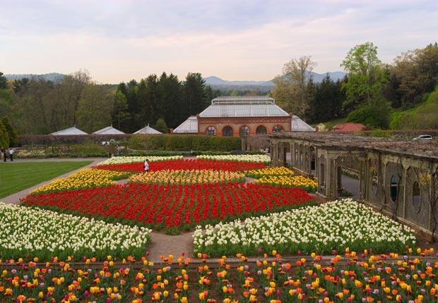 Una vista de la Biltmore Estate Gardens en Asheville, N.C. - 10 Hermosos jardines en América