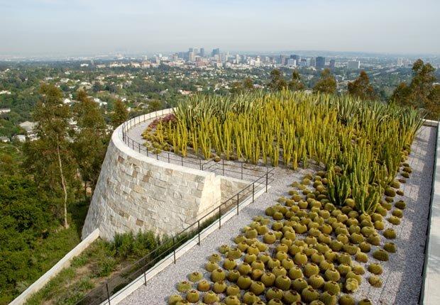 El jardin del Museo Getty en Los Angeles  - 10 Hermosos jardines en América