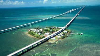 Vista aérea de la ruta a los cayos de la Florida - 9 Grandes rutas para este verano