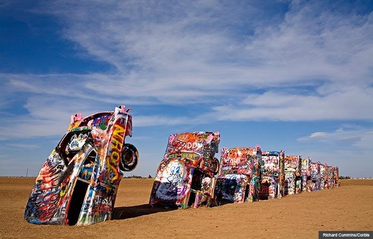 7 Classic American Roadside Attractions