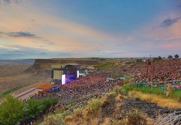 El anfiteatro Gorge durante el Festival de Música de la Cuenca el 2 de agosto de 2013, de George, Washington.