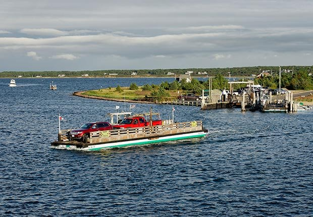 ferry ferries fun island water boat boats schedule prices car sightseeing chappaquiddick angel ohio champlain north carolina bald head ethan allen edgartown martha's vineyard massachusetts orlando disney world virginia bass staten new york (Mira / Alamy)