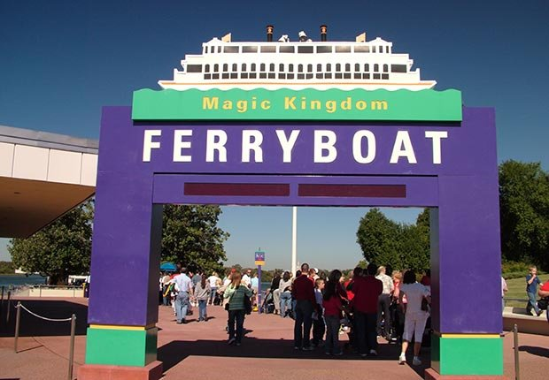 ferry ferries fun island water boat boats schedule prices car sightseeing chappaquiddick angel ohio champlain north carolina bald head ethan allen edgartown martha's vineyard massachusetts orlando disney world virginia bass staten new york (Andre Jenny / Alamy)
