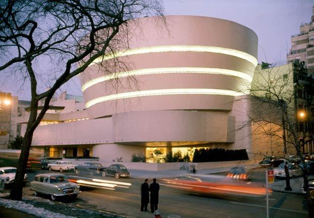 El museo Guggenheim en Nueva York - los edificios más extraños de América