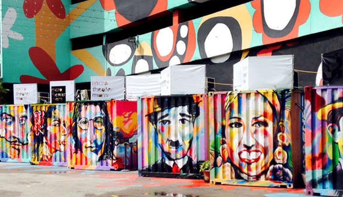 Atracciones turísticas que resaltan la cultura hispana - MicroTheater Miami