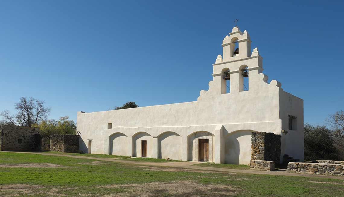 item 9 of Gallery image - Misión San Juan Capistrano, San Antonio, Texas