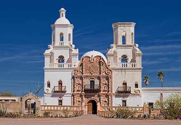 Misión San Xavier del Bac, Tucson, Arizona - Misiones coloniales de la historia española en Estados Unidos