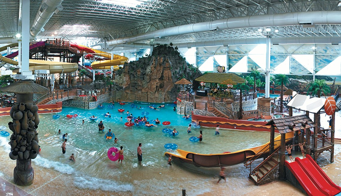 Visitors Enjoy Indoor Water Park at Kalahari Resorts in Pocono Mountains Pennsylvania, Best Indoor Water Parks