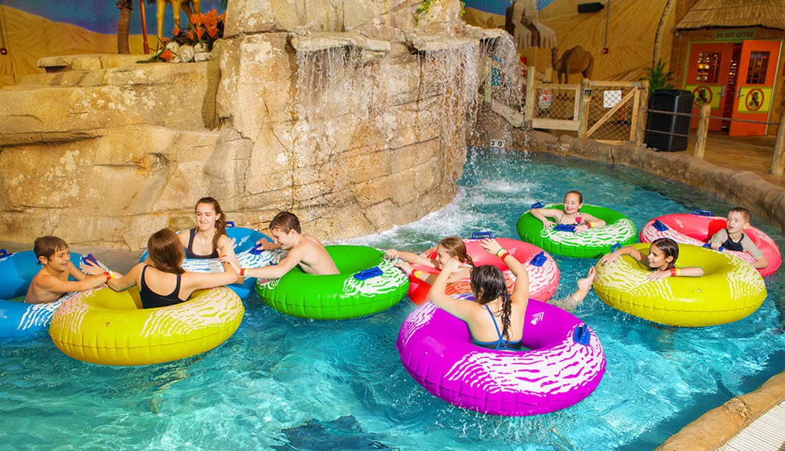 Indoor Water Parks to Visit During Fall and Winter