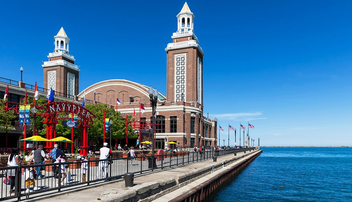 Navy Pier en el Lago Michigan.