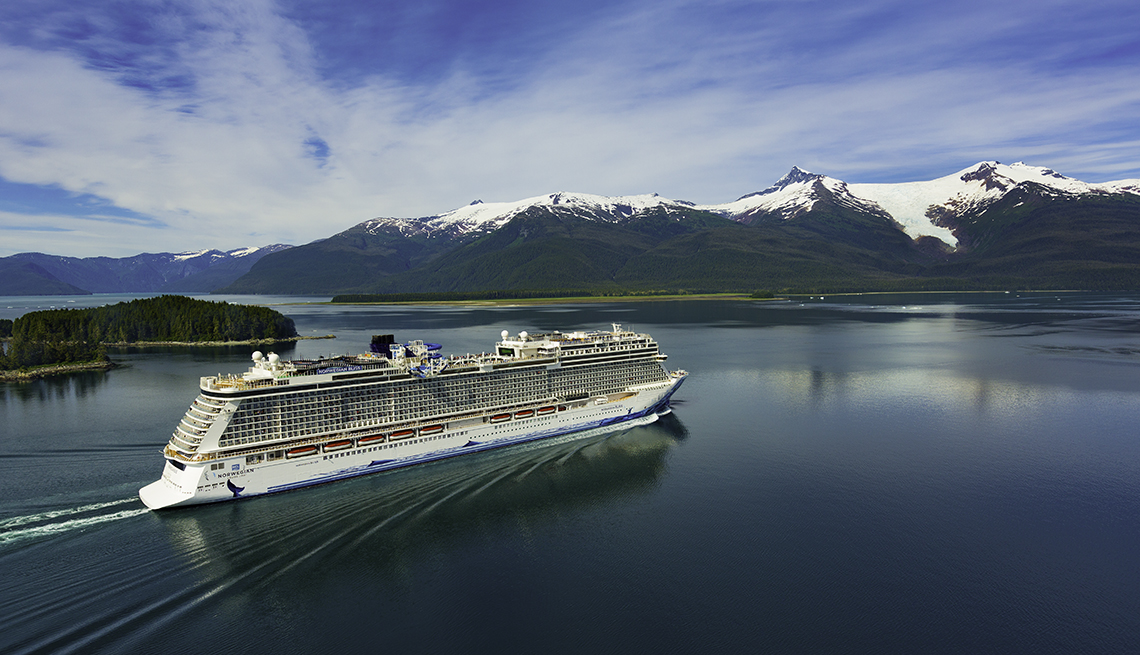 NCL Bliss Endicott Arm sailing in Alaska