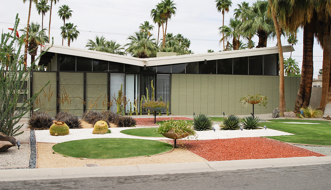Palm Springs modern house by William Krisel
