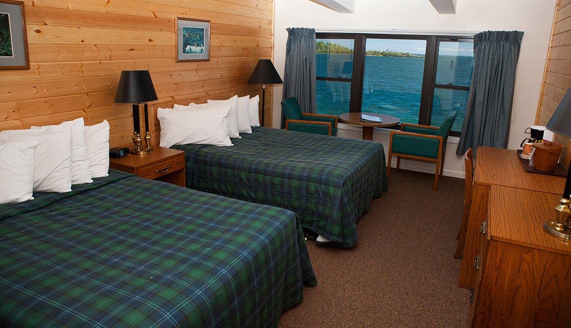 Habitación en el Rock Harbor Lodge con vista a Rock Harbor