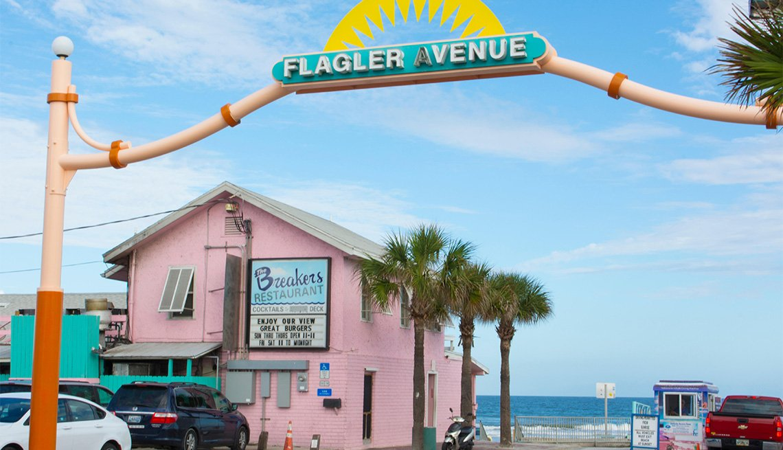 famous Flagler Avenue entrance at New Smyrna Beach