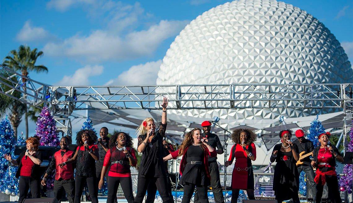 item 7 of Gallery image - Grupo gospel canta en el Festival Internacional de las Fiestas de Epcot