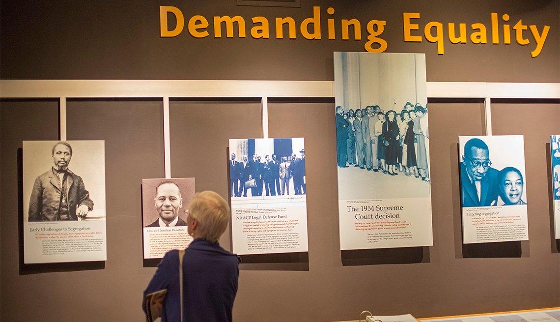 item 10, Gallery image. Visita a una exposición en el National Museum of African American History del Smithsonian.