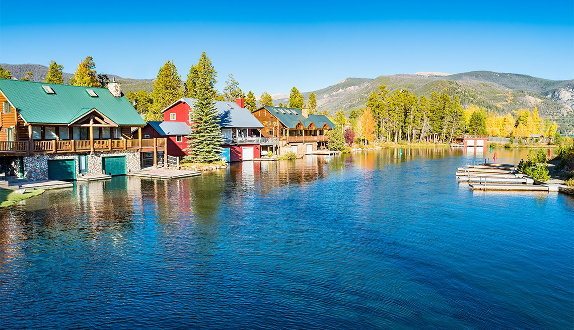 item 11, Gallery image. The pet-friendly Grand Lake Lodge in the little town of Grand Lake is surrounded on three sides by the national park.