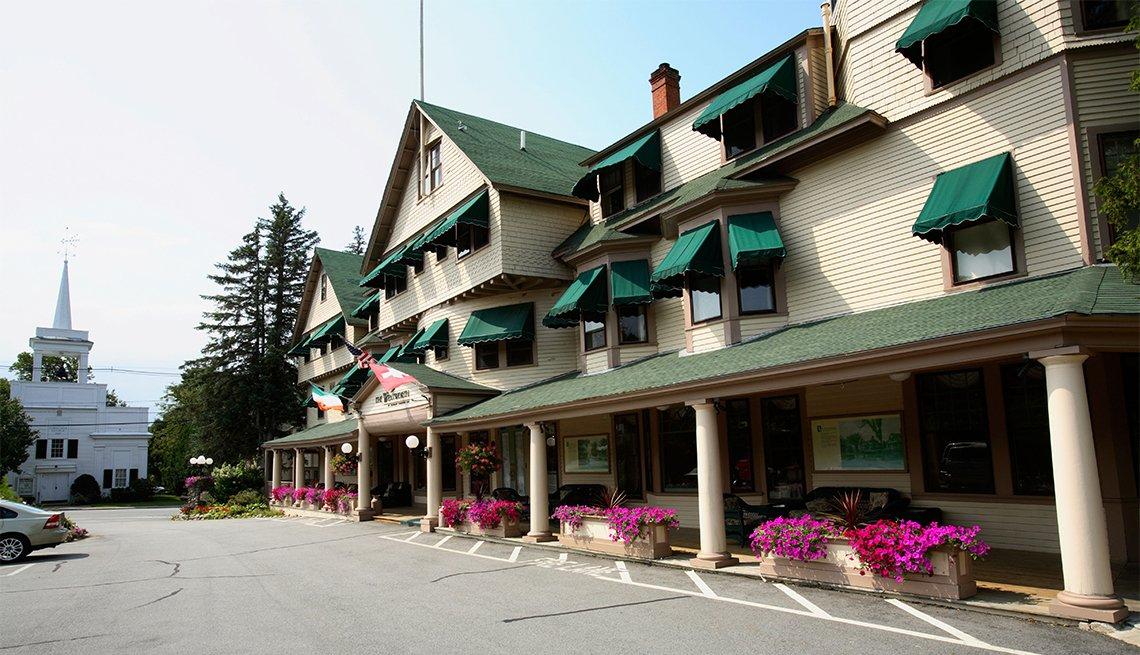 The elegant Wentworth Inn in downtown Jackson, NH