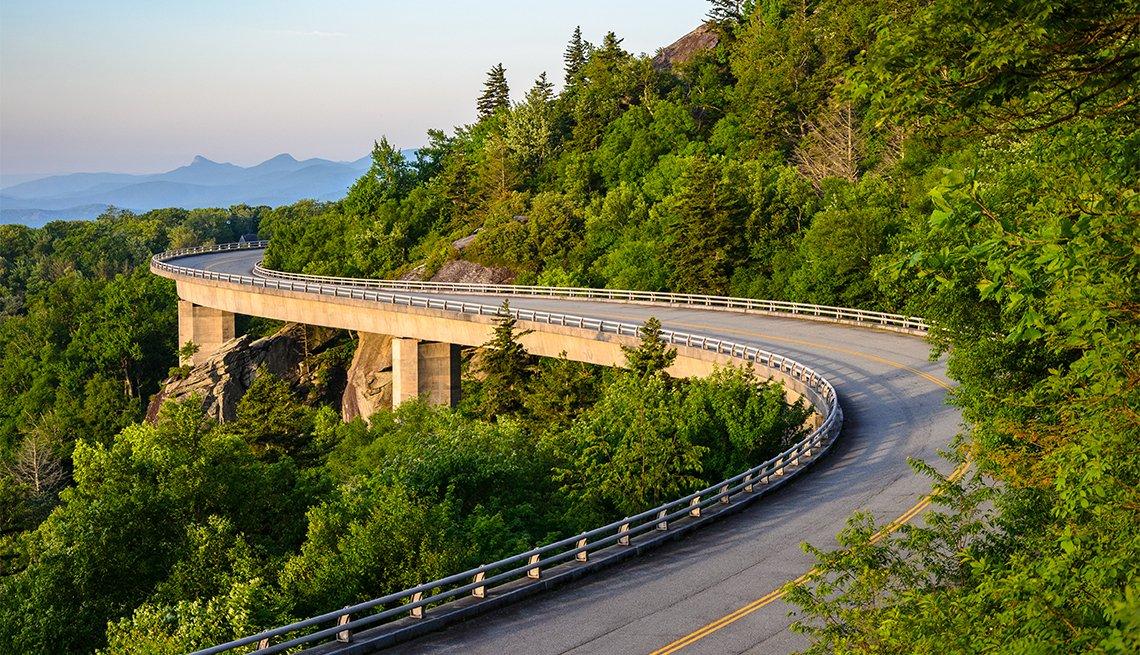 item 1 of Gallery image - Panorámica de Blue Ridge Parkway
