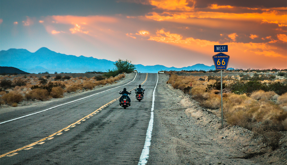 motorcycles along Route 66