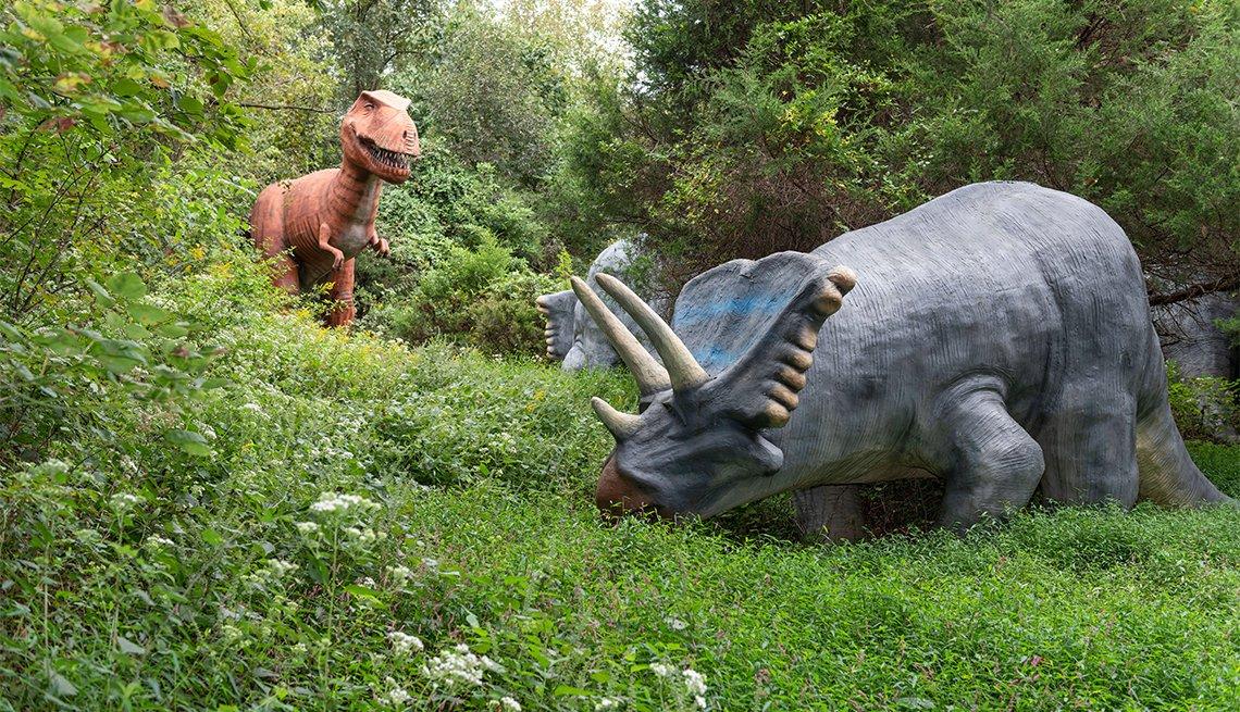 item 5 of Gallery image - Réplica de dos dinosaurios en Dinosaur World