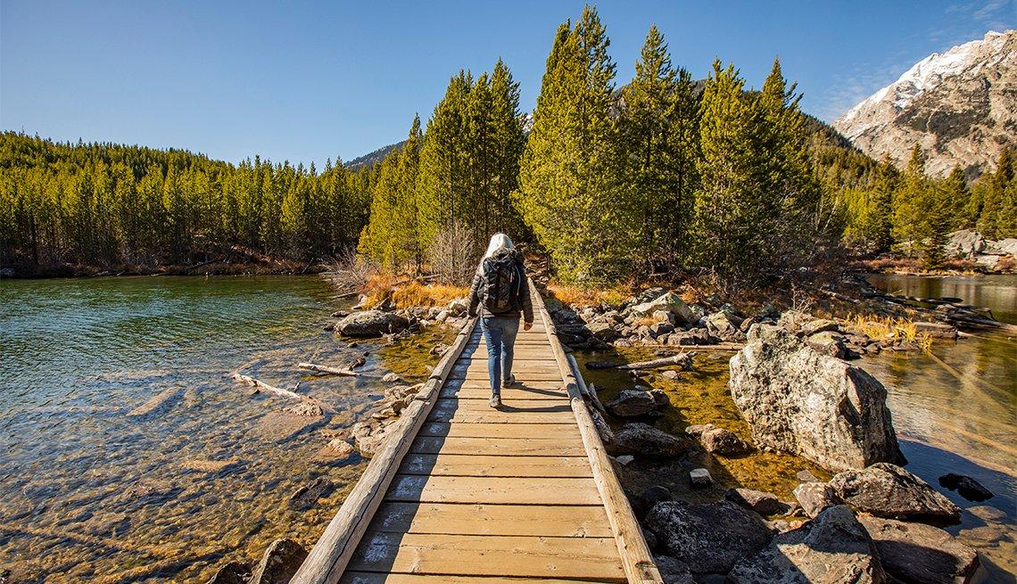 Una excursionista en el Parque Nacional Grand Teton