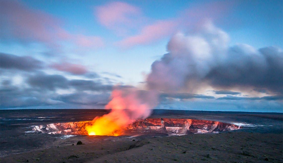 Halemaumau Crater, Hawaii Volcanoes National Par