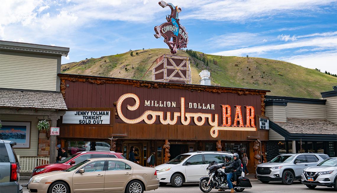 item 5 of Gallery image - Fachada del Million Dollar Cowboy Bar