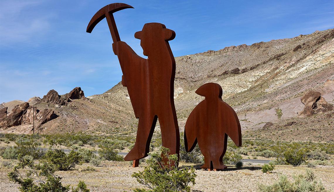 Homenaje a la escultura de Shorty Harris en el Museo al aire libre de Goldwell