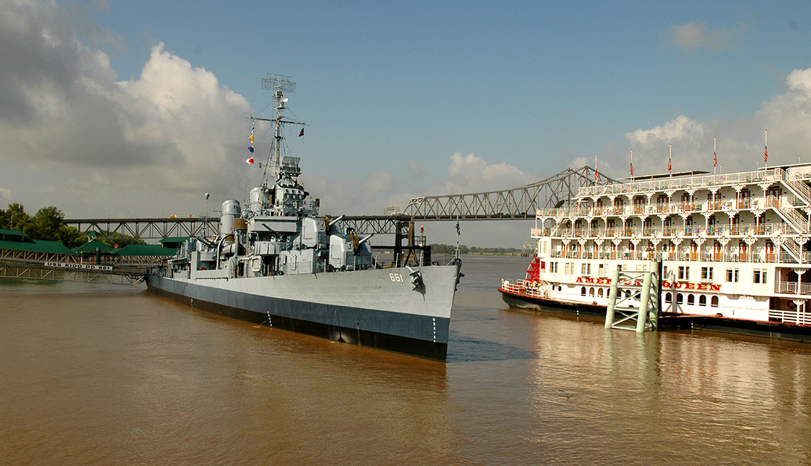 The Muddy Waters Of The Mississippi River And Steamboat, Best River Cruises