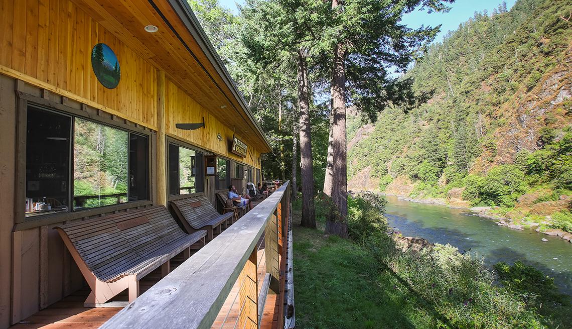 Vista del Rogue River Lodge en Oregon