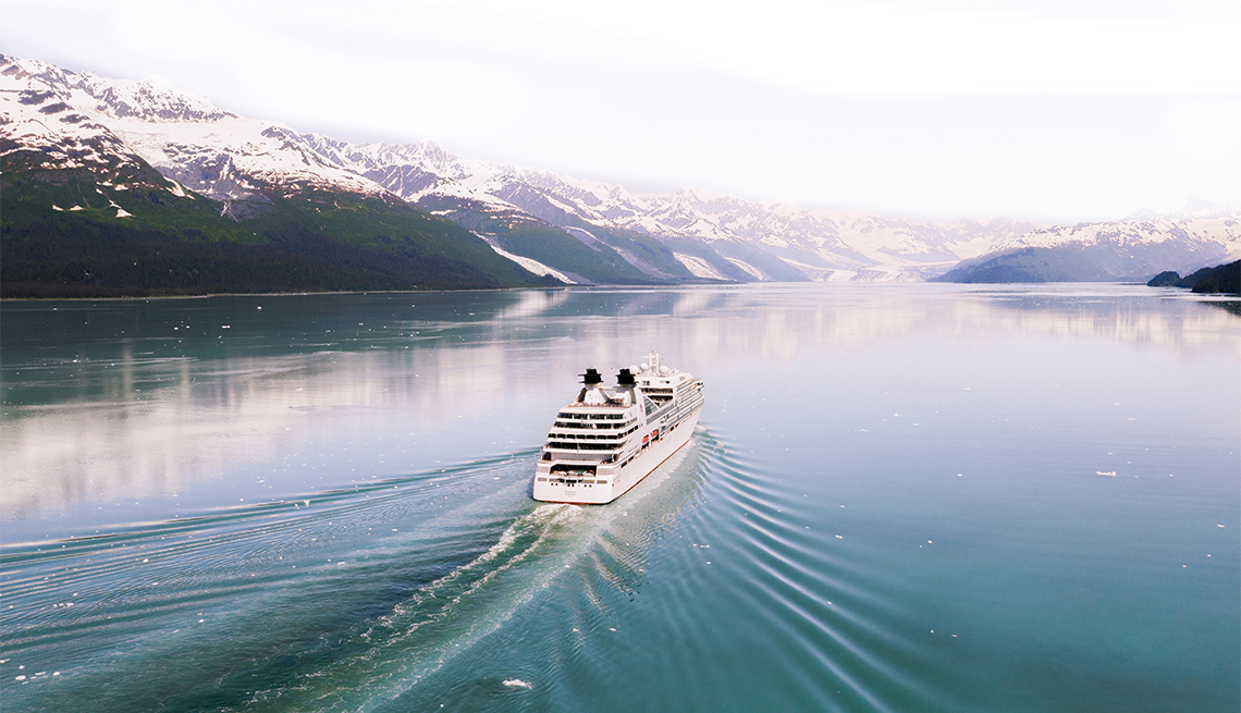 photo of the Seabourn cruise ship sailing in Alaska