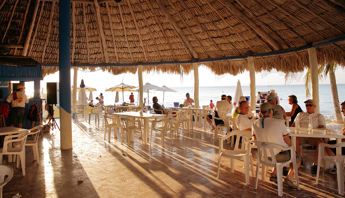 item 2 of Gallery image - Restaurante en Isla Mujeres.